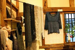 大島紬の糸で編んだ作品