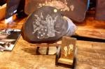 木彫画体験が出来る携帯台と小物
