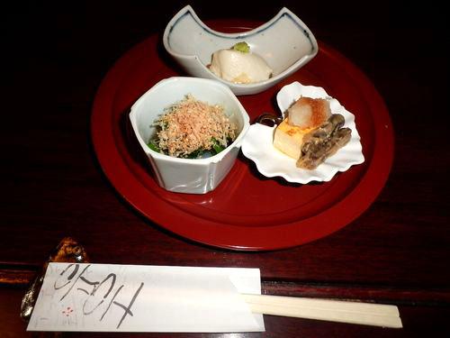 胡麻豆腐、出汁巻玉子と牛蒡、青菜