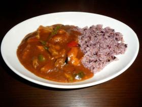 小江戸黒豚と野菜のカレー・五穀米