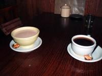 カフェオレとコーヒー